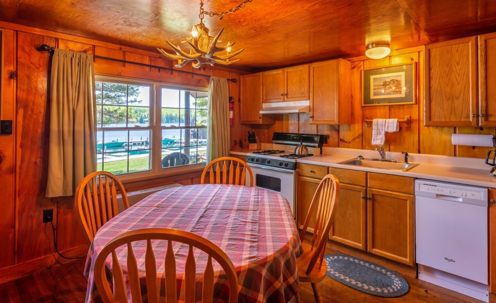 Vacation Cabin Rentals at Tall Timber, Pittsburg NH